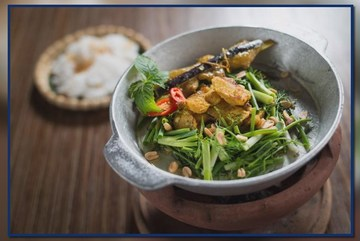 Why are Vietnamese dishes favourites with foreigners?
