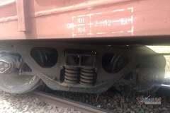 Tàu hỏa trật bánh, đường sắt Bắc- Nam gián đoạn hàng tiếng