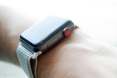 CEO Apple tiết lộ mảng thiết bị đeo lập kỷ lục doanh thu mới