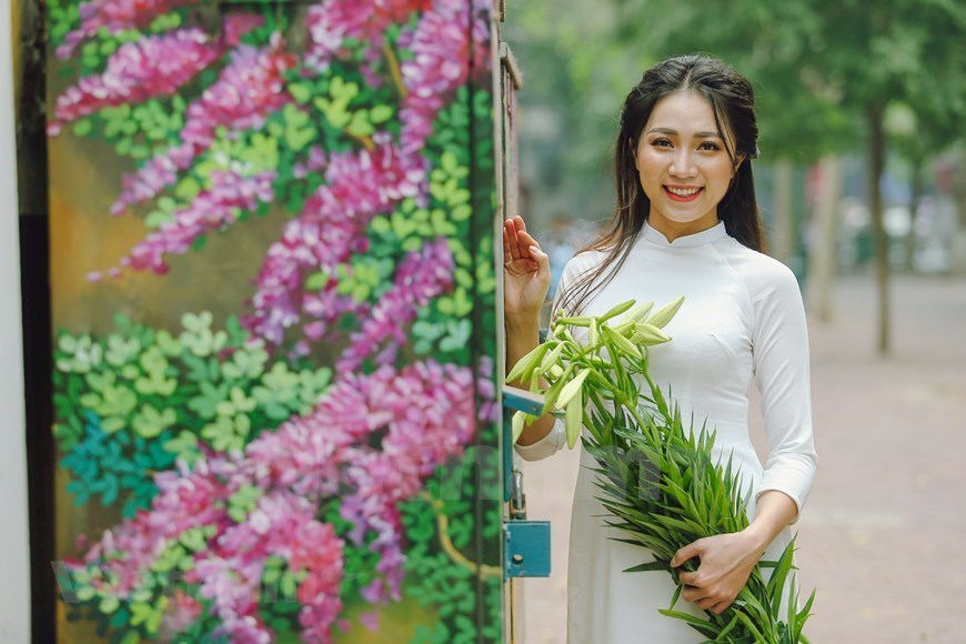 easter lily,flowers,Vietnam in photos