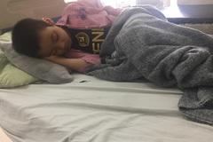 """Ung thư tái phát đau đớn, bé gái vẫn khát khao giấc mơ tìm """"con chữ"""""""