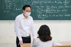 """Bộ trưởng Giáo dục: """"Có thể để một số nội dung dạy học sang năm học mới"""""""