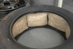 Giấu lượng ma túy trị giá 4 triệu USD vào lốp xe bán tải Ford F-150