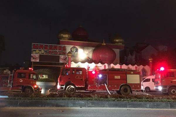 Đang đóng cửa tránh dịch, quán karaoke ở Hải Dương bốc cháy suốt 5 tiếng