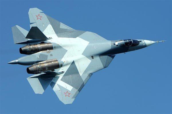 Hình ảnh siêu tiêm kích tàng hình Nga phô diễn mừng ngày Chiến thắng