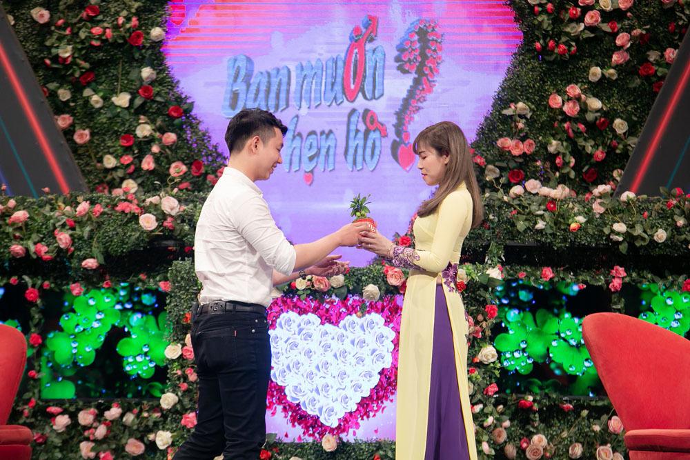 Hồng Vân, Quyền Linh vui mừng khi Bạn muốn hẹn hò đạt kỷ lục mới