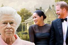 """""""Đòn chí mạng"""" vợ chồng Meghan Markle dành cho Nữ hoàng Anh: Nỗi đau đớn khi bị người thân phản bội, mọi công sức đều tan thành mây khói"""