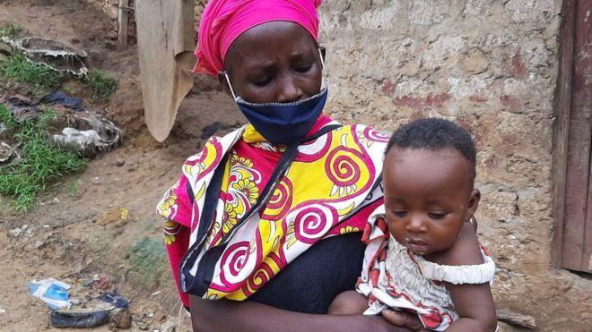 Kenya: Bà mẹ 8 con nấu mầm đá cho con vì quá đói