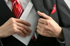 Sau nhiều năm liên tục giảm, vẫn có 50% DN phải mất phí 'lót tay'