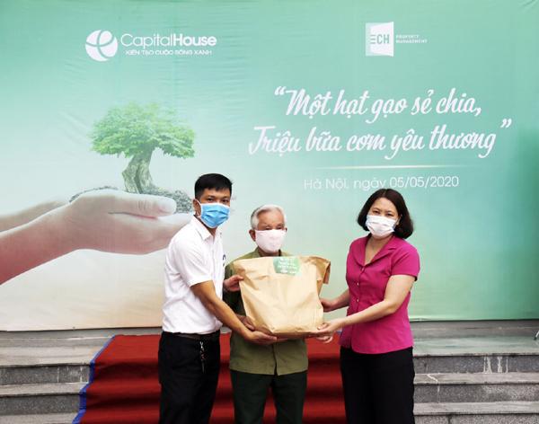 Gần 6.000 suất quà Capital House tặng người dân khó khăn vì Covid-19
