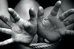 Gã đàn ông bị bắt sau 14 năm lừa bán 2 thiếu nữ