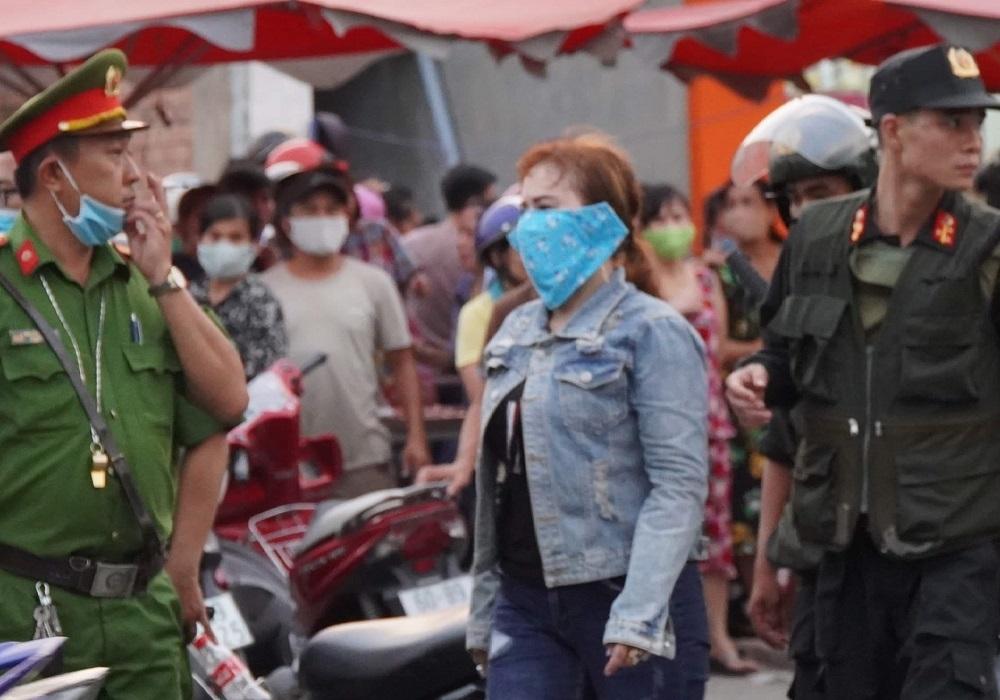 Bắt 2 'nữ quái' cầm đầu nhóm bảo kê trong KCN ở Đồng Nai