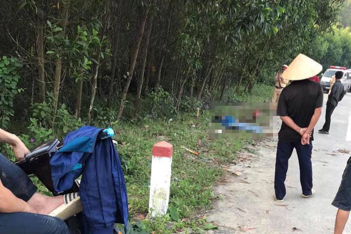 2 nữ sinh Hà Tĩnh tử vong sau khi xe máy 'kẹp' 4 đâm cột mốc