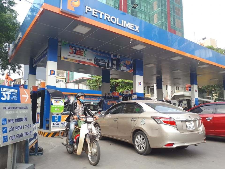 Đại gia ngoại thâu tóm thị trường xăng dầu: Bộ Công Thương lường trước nguy cơ