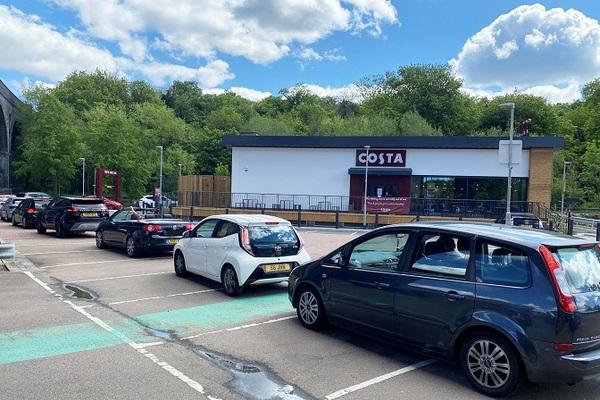 Covid-19 tấn công, doanh số bán xe tại Anh giảm tới 97% trong tháng 4