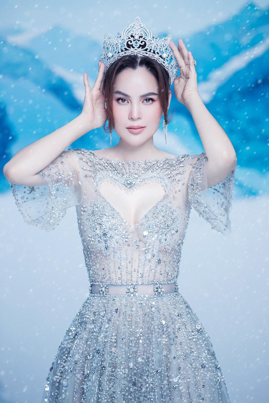 Hoa hậu 3 con khoe dáng sau 3 năm đăng quang