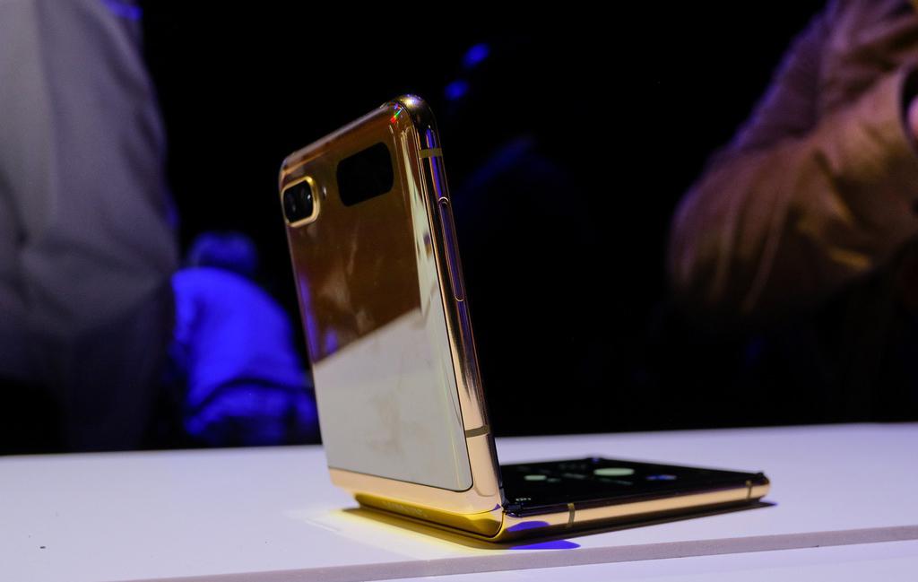 Galaxy Z Flip 'ngược dòng' tăng doanh số giữa đại dịch
