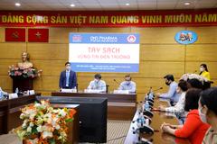 Dược Hậu Giang tặng hàng vạn chai gel rửa tay cho giáo viên tiểu học TP.HCM