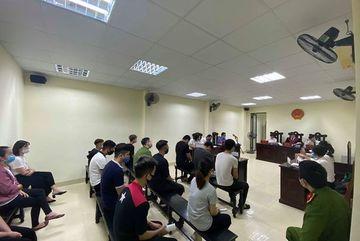 Xử tù nhóm 'quái xế' bị bắt dịp cách ly xã hội từ tin báo VietNamNet đăng