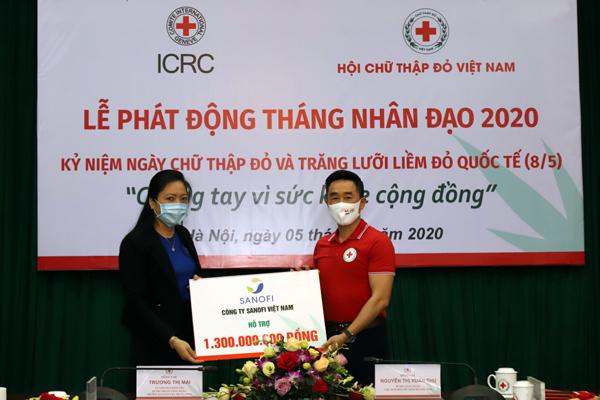 Sanofi Việt Nam ủng hộ 1,3 tỷ đồng phòng chống dịch và khắc phục hạn mặn