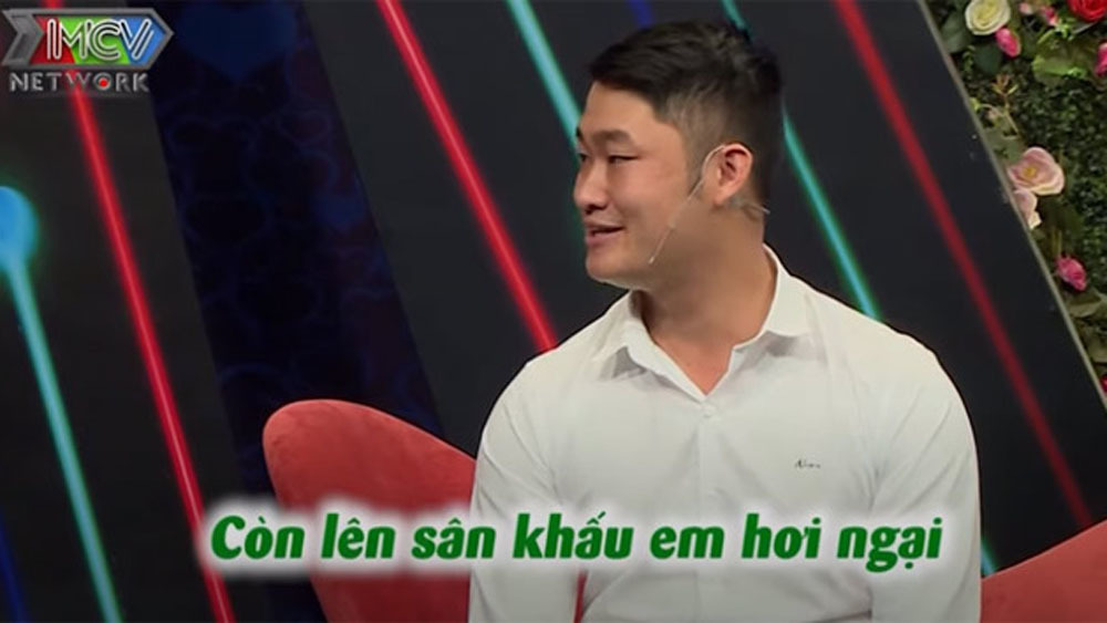 Chàng trai dựng video đặc biệt để 'tán đổ' nữ trưởng phòng xinh đẹp