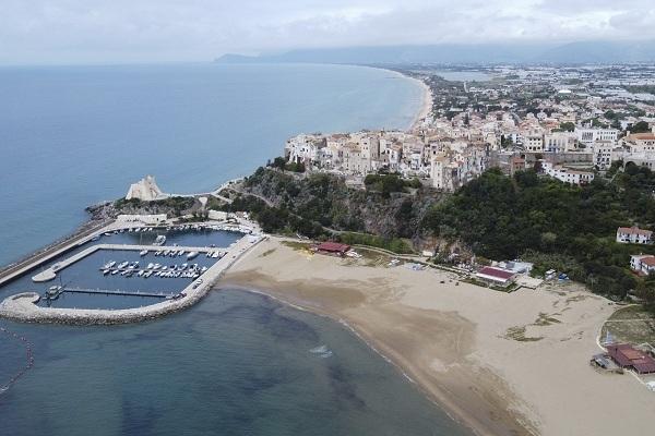 Khu du lịch nổi tiếng Italia 'vắng như chùa Bà Đanh' vì Covid-19