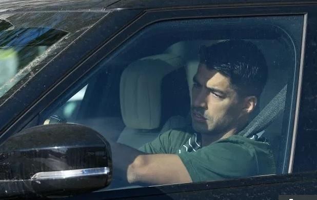 Barca trở lại tập luyện: Đeo khẩu trang, thử Covid-19 và tập riêng