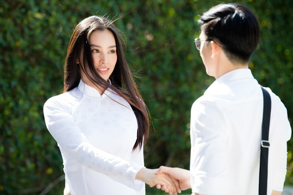 Erik mời Đức Phúc, Hoà Minzy và Hoa hậu Tiểu Vy trong MV mới