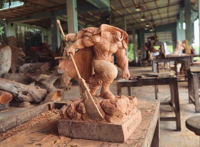 Siêu nhân sinh ra từ gỗ: Khối 'vàng ròng' của 9x Quảng Nam