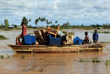 Kenya and Uganda hit by deadly flooding
