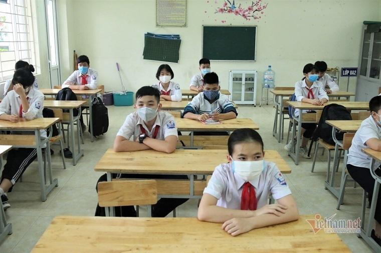 Bộ Giáo dục yêu cầu các trường không áp dụng giãn cách trong lớp học