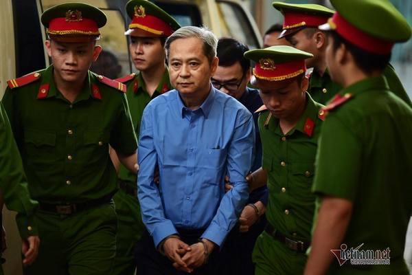 Cựu Phó chủ tịch TP.HCM Nguyễn Hữu Tín tiếp tục hầu tòa