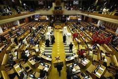 Ảnh khiêu dâm đột ngột xuất hiện giữa cuộc họp quốc hội trực tuyến của Nam Phi
