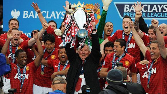 Ngày này năm xưa: 'Ông già gân' Alex Ferguson chia tay MU