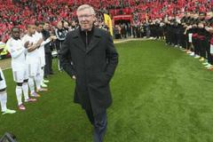 """Ngày này năm xưa: """"Ông già gân"""" Alex Ferguson chia tay MU"""