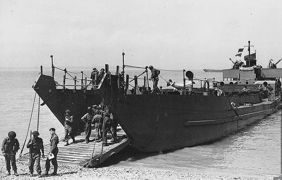 Tìm được tàu đổ bộ mất tích bí ẩn từ Thế chiến II