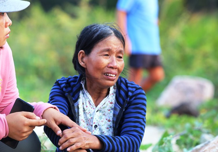Lật thuyền trên sông Thu Bồn, 5 người mất tích