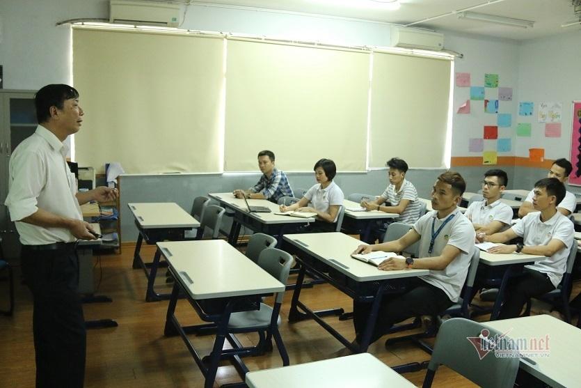 Tập huấn cho giáo viên cách dạy sách giáo khoa mới