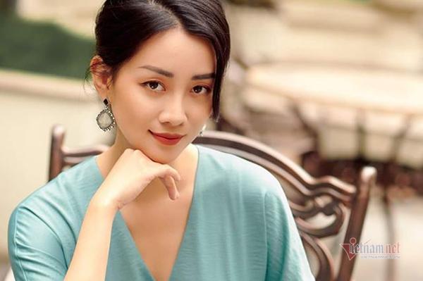 MC Quỳnh Chi: Tôi vẫn cô đơn vì không giỏi yêu!