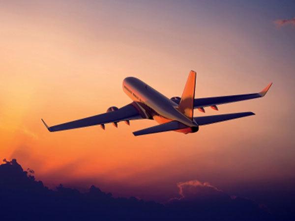 Giá vé máy bay tăng trở lại vì dịch Covid-19