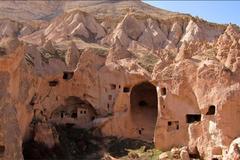 'Thành phố' trong lòng núi đá ở Thổ Nhĩ Kỳ