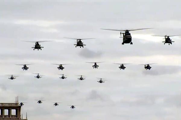 Ngắm màn diễu binh hoành tráng trên không ở Nga mừng ngày Chiến thắng