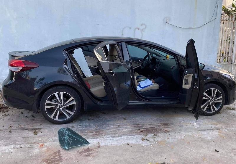 Hàng loạt xế hộp bị đập phá, trộm tài sản ở Đà Nẵng