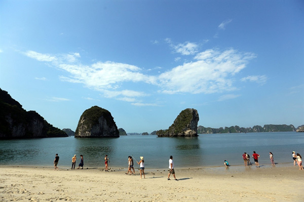 Quang Ninh Province's tourism to be celebrated this May