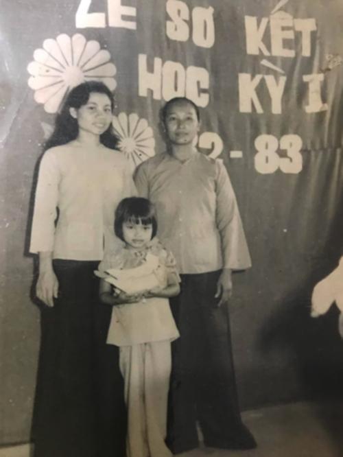 Sao Việt viết lời yêu thương, khoe khoảnh khắc ngọt ngào bên mẹ