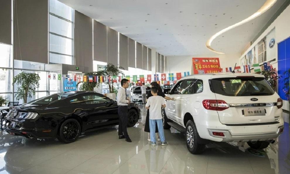 Doanh số bán xe tại Trung Quốc tăng nhẹ sau gần 2 năm lao dốc