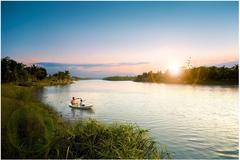Hà Nội nắng nóng kỷ lục, khu đô thị xanh đắt khách
