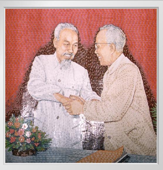 Kỳ công món quà 'ngoại giao', bí mật trong tranh ghép Bác Hồ