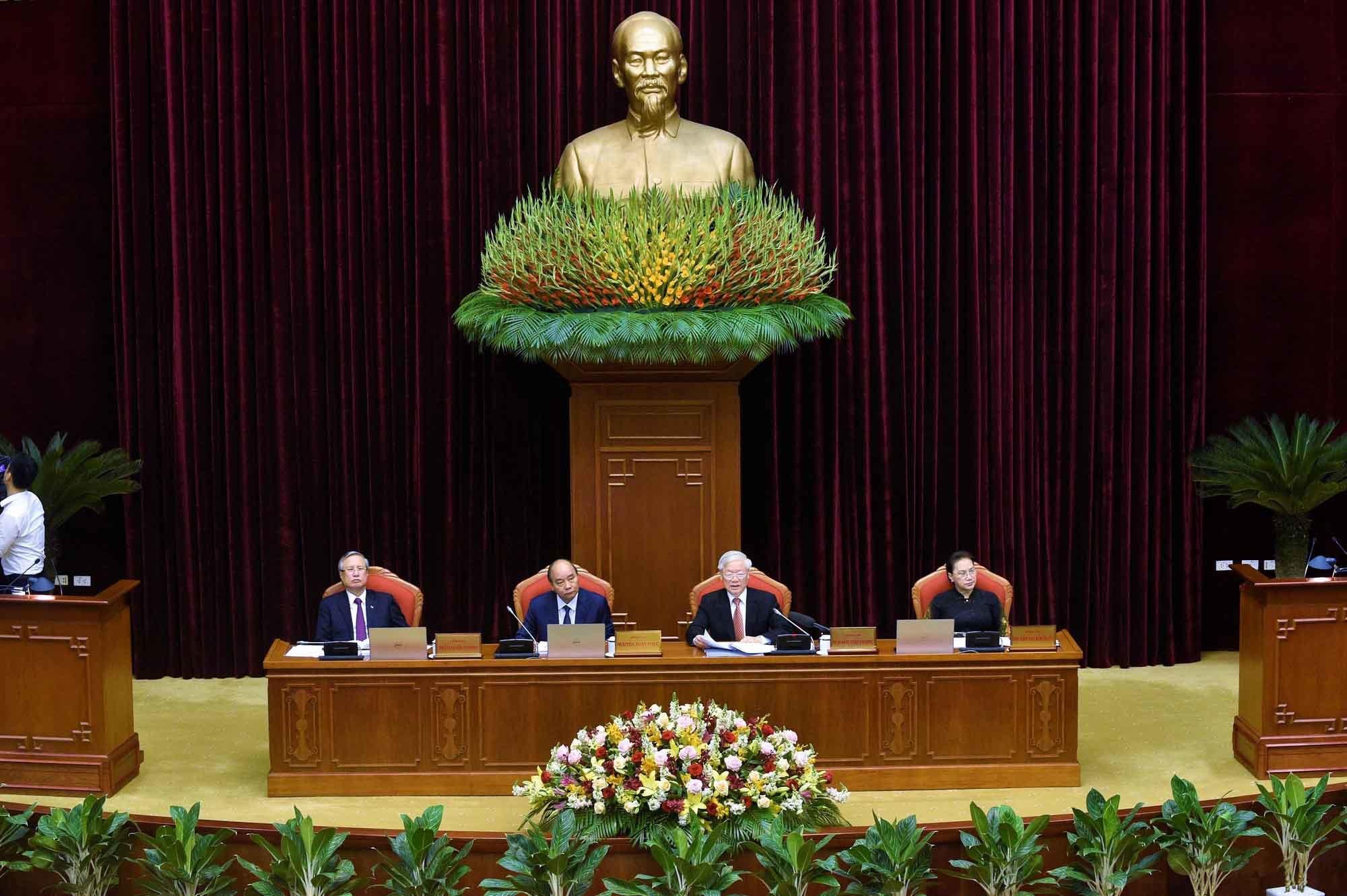 Bộ Chính trị trình phương hướng nhân sự khóa 13