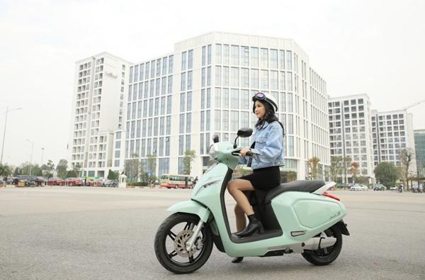 VinFast miễn, giảm phí thuê bao pin xe máy điện